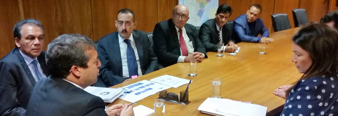 Ministro recebe Paulo Ferrari
