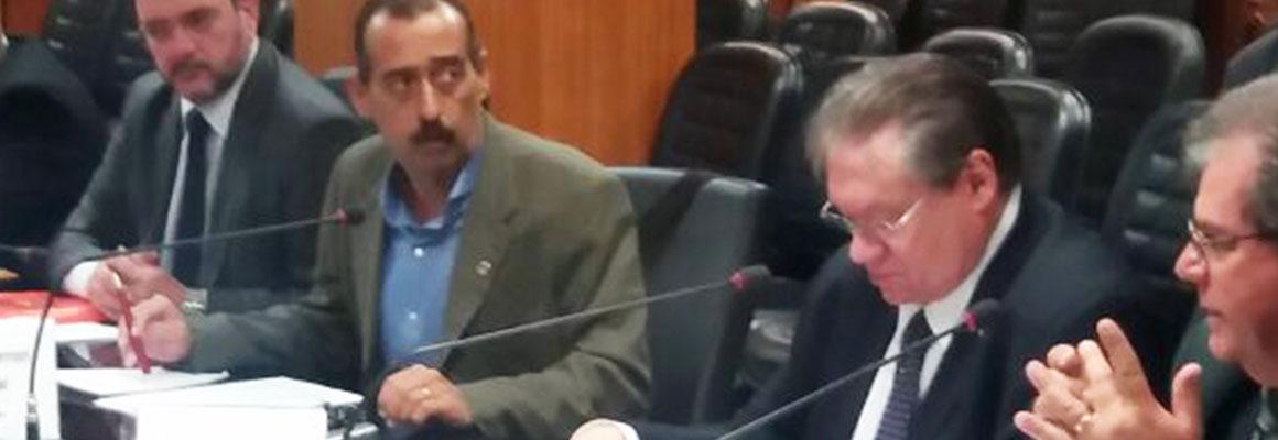 Paulinho se reúne com ministro do Trabalho