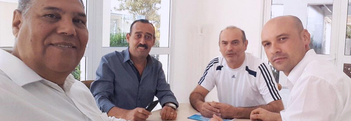 Paulinho visita condomínio e fecha parceria
